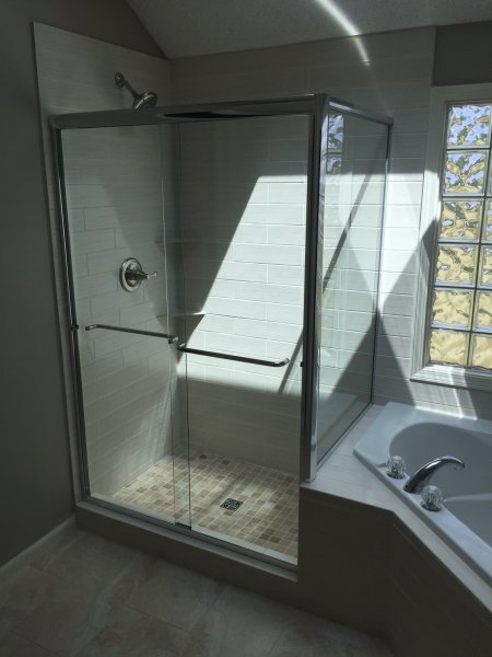 Semiframeless Euro Sliding door with 90 degree panel Chrome-Clear